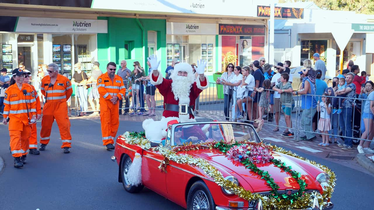 Santa Claus Christmas Pageant street parade Bunbury